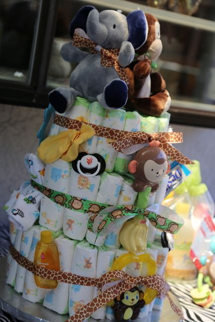 Diaper cake at a Jungle Party #jungle #party