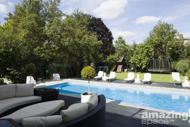 Great swimming pool - sunshine not guaranteed