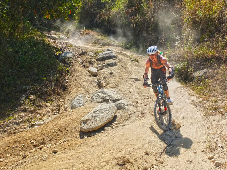 Do you love to mountain bike? Then come bike in the Colombian mountains.