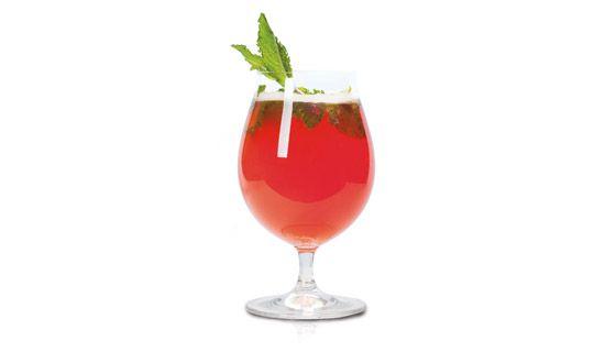 L'été indien100 ml de bière Blonde de Chambly100 ml d'eau minérale San Pellegrino aranciata rossa (orange sanguine)1 bouquet de menthe fraî...