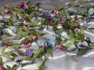 Lambs and Ivy Designs: Lots of little ribbon flowers
