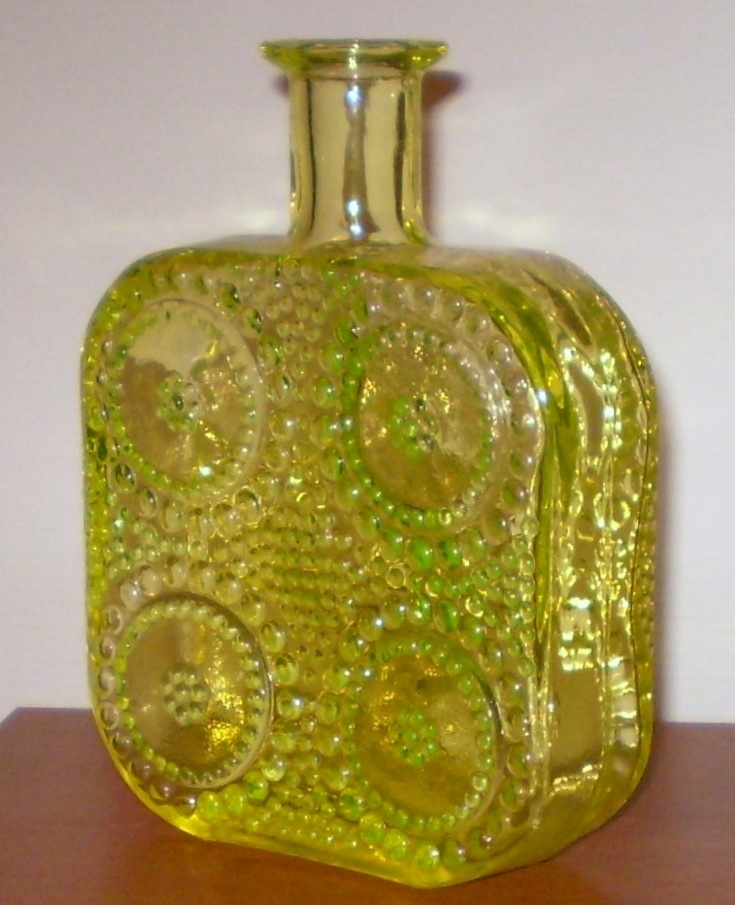 Grapponia glass bottle by Nanny Still (1970's)