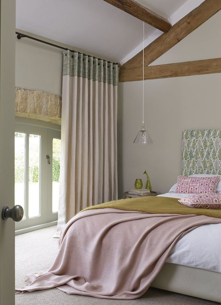 Bronze pole Walcot House #bedroom #pink #green #pinkandgreen #curtainpole #Cotswold #curtains
