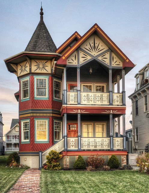 Wowzers. Wouldn't it be nice to own a beautiful home like this.. Sigh. One of these days..Gorgeous Victorian Home....Photo via web...