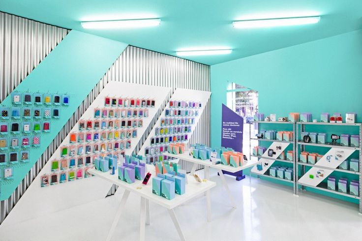 Masquespacio completed a colorful smartphone store design for Doctor Manzana in Valencia, Spain, for technology enthusiasts worldwide.