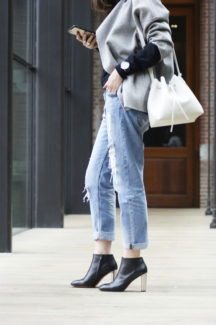 Look by Nicky Inside Out. #streetstyle #jeans #grey #pur #bucketbag #bag #lancasterparis #lancaster
