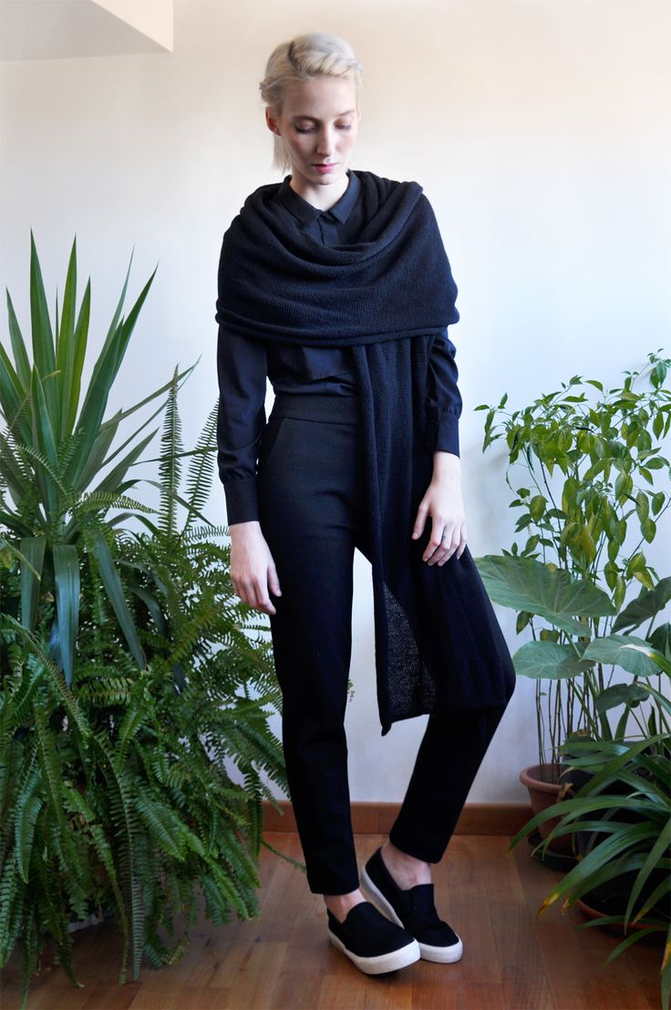Aroma30 - Minimal chic Cashmere long scarf / Black shirt / Urban trousers