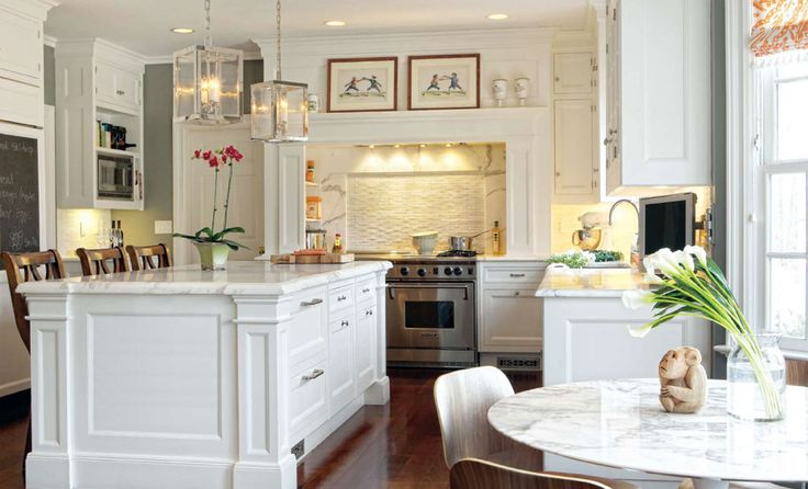 Christopher Peacock.: Dreams Kitchens, Cream Color Kitchens, Kitchens Islands, Home Kitchens, White Cabinets, Decor Blog, White Kitchens, Kitchens Cabinetri, Christopher Peacocks