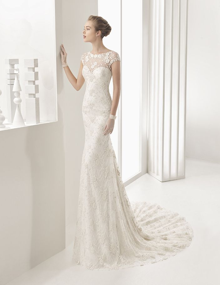 Naida - Guipure and Chantilly lace dress, in ivory.