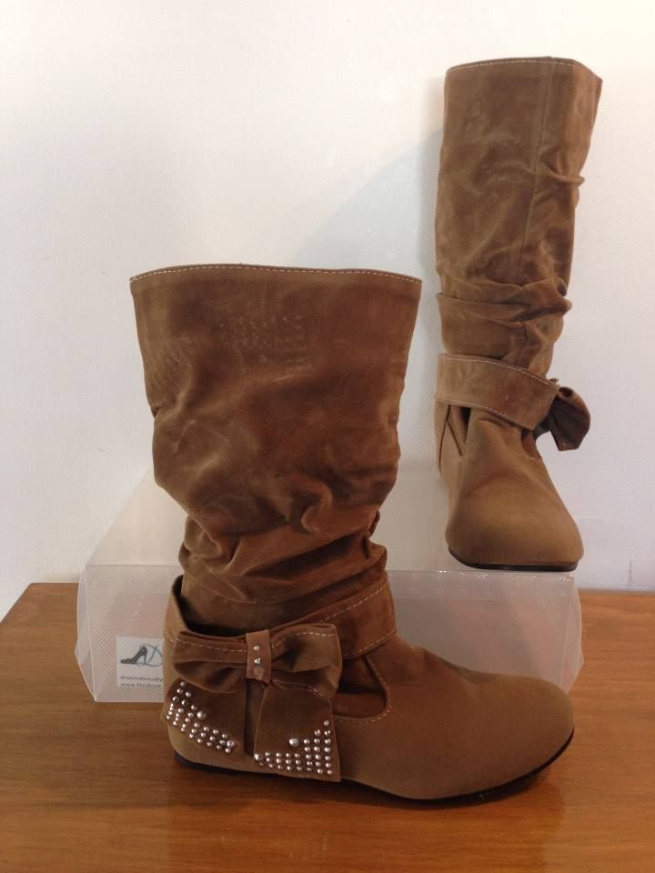 """Dreem Shoes """"Ice N Cosy"""" Brown Size 4-12 $35 www.facebook.com/dreemshoes"""