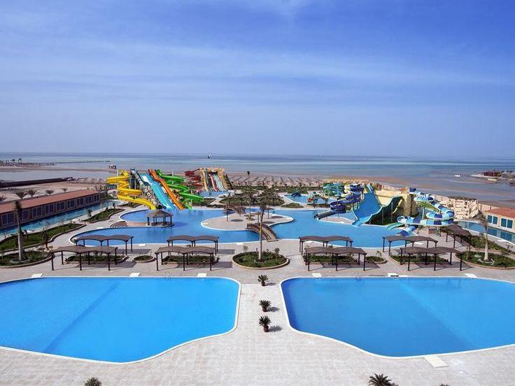Отель Mirage Aqua Park & Spa занимает площадь в 75 тыс. кв.м. и расположен в 15 минутах езды от аэропорта Хургады.  На территории отеля Mirage Aqua Park & Spa большой аквапарк — 14 горок и 13 бассейнов. #Египет   В отеле: 430 номеров. Развлечения: занятия йогой, пилатесом, аэробикой, тренировки аквааэробики в бассейне. В фитнес-центра работает тренажерный зал. Спа-салон предлагает оздоравливающие процедуры по уходу за лицом и телом.