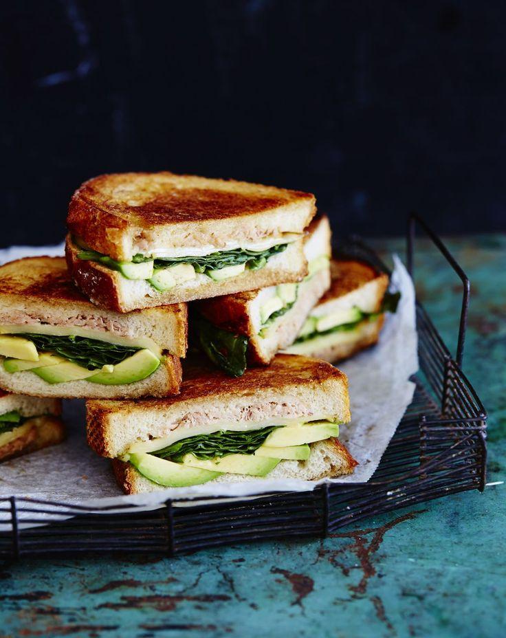 Tuna melt -voileivät ovat nopeaa arkiruokaa tai tuhtia syötävää viikonloppubrunssille.