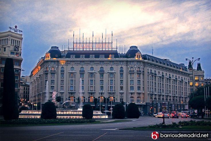 Hotel Westin Palace | Un siglo de grandes historias http://barriosdemadrid.net/hotel-westin-palace/ En el momento de su construcción, se convirtió en el hotel más grande de Europa. Reservar una habitación en este lujoso hotel no será barato, ya que los precios oscilan entre los 200 y 800 euros. También podemos optar por la suite real por el módico precio de 4.800 euros, donde podremos disfrutar incluso de sauna y jacuzzi.  © http://barriosdemadrid.net/hotel-westin-palace/ #Madrid…