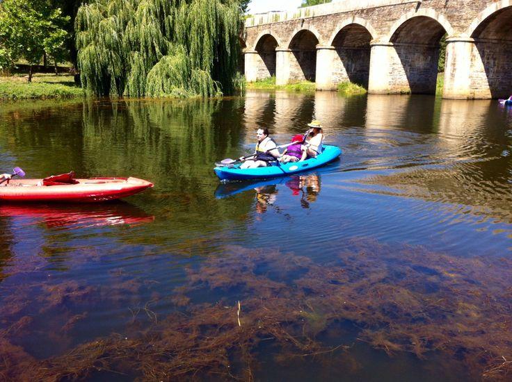 Atividade de canoagem organizada em conjunto entre a A....   A. Montesinho Turismo