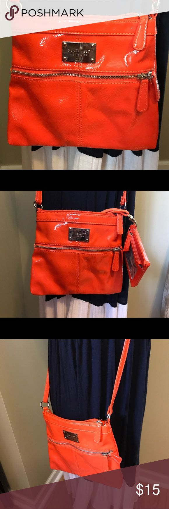 Nine West Purse Nine West purse with phone wallet. EUC Nine West Bags Crossbody Bags