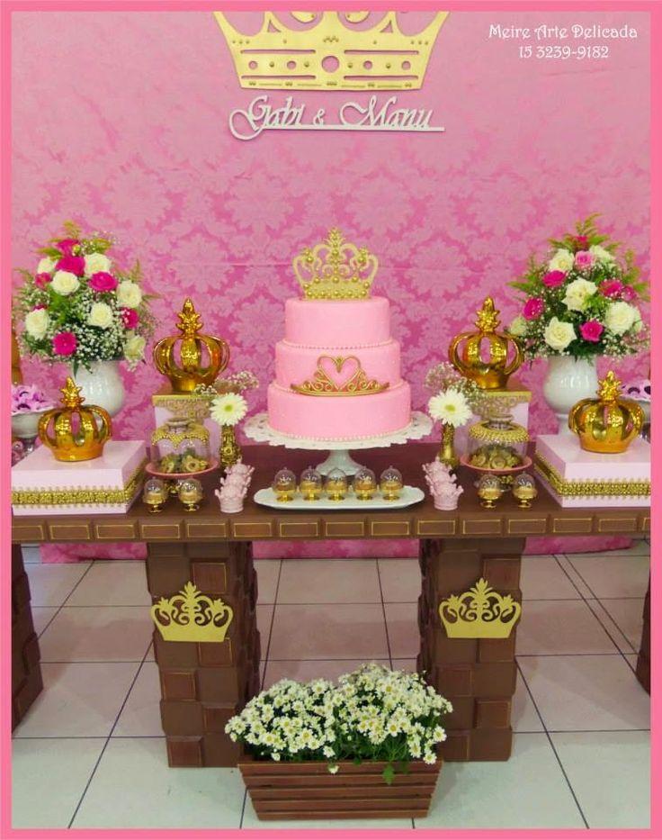 Tema Novoooooooo!!!!!!    Decoração digna de uma realeza!      Hoje é Niver da Gabi e da Manu!!!      Decoração linda Rosa e Dourada!     ...