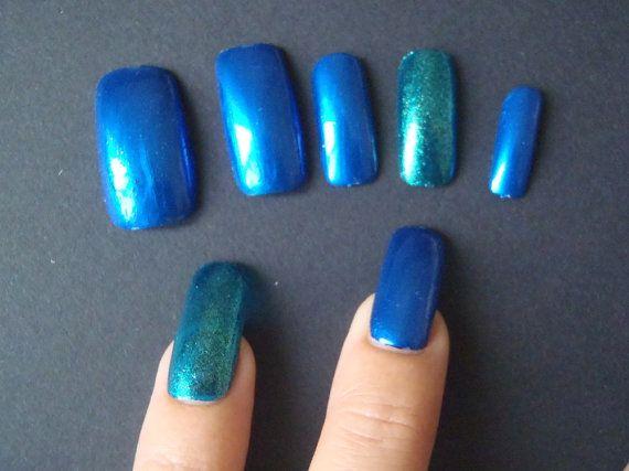 unghie finte blu elettrico metallizzato turchese glitter nail art unghie artificiali smalto metallico trending squadrate lasoffittadiste