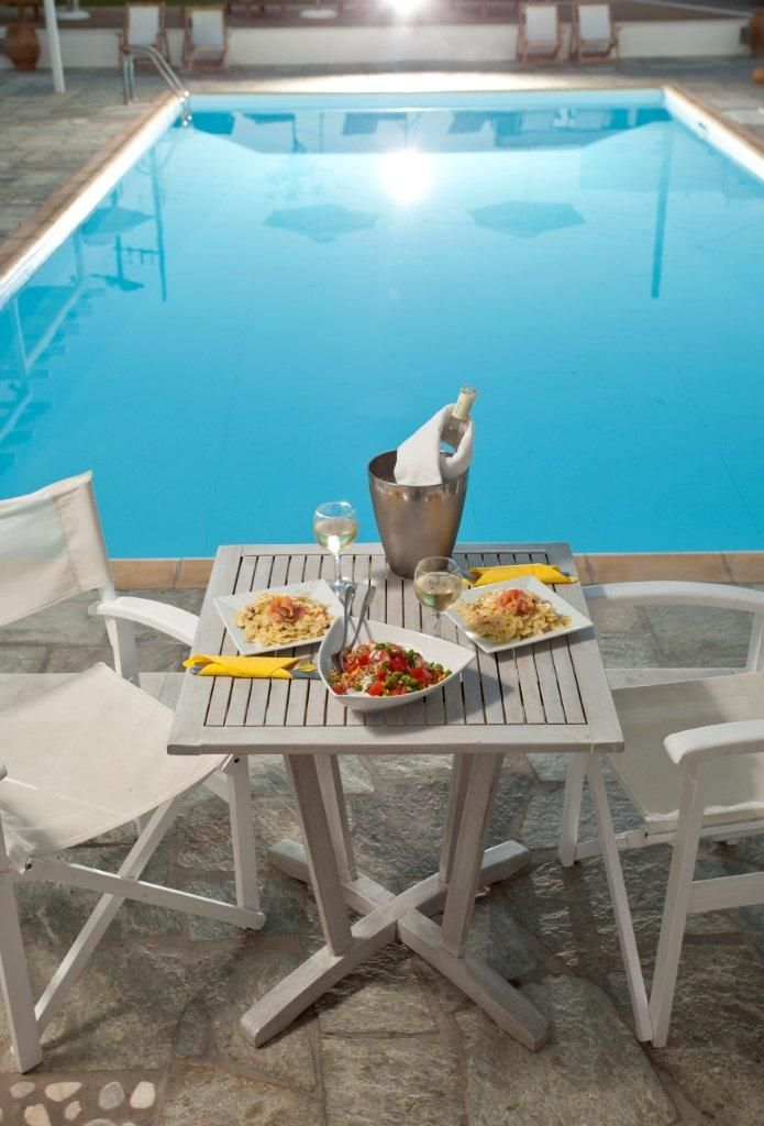 Enjoy magical long weekends in #Sifnos and #VerinaSuites. Be part of Verina's Cycladic white microcosm that is literally surrounded by the olive groves reaching down to the golden beach of Platys Gialos.  http://www.tresorhotels.com/en/offers/286/sabbatokyriaka-kalokairioy-sth-sifno-amp-to-verina-suites