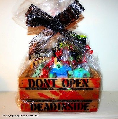 Gift Basket, zombie theme, Walking Dead Free Shipping in Collectibles, Holiday & Seasonal, Halloween | eBay