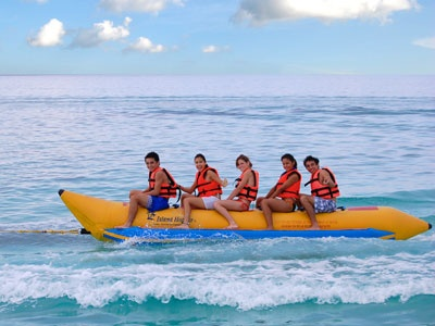 Banana boat ride- Cozumel  This looks like a lot of fun for our whole family!
