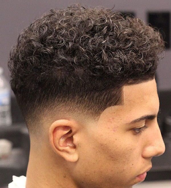 Curly Hair Fade Best Curly Taper Fade Haircuts For Men 2020 Guide Curly Hair Fade Low Fade Curly Hair Curly Hair Styles