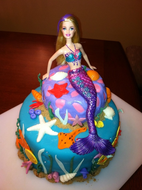 Barbie Mermaid Cake Images : 136 best images about Cakes - Doll on Pinterest Elsa ...