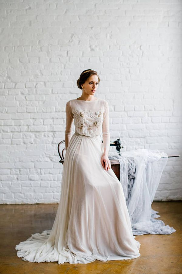 Long Sleeve Wedding Dress Modest Bridal Gown Ethereal Whimsical Romantic Embroidered Ivory Dress Backless Open Back Chiffon Affordable Weddin Bryllup