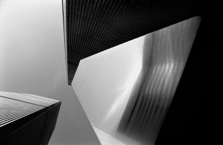 Fernando Zaccaria, 2001, New Perspectives, WTC, stampa giclèe su carta carta cotone, cm 48 x 68, dalla serie New York City Sept. 10th, 2001-2012.