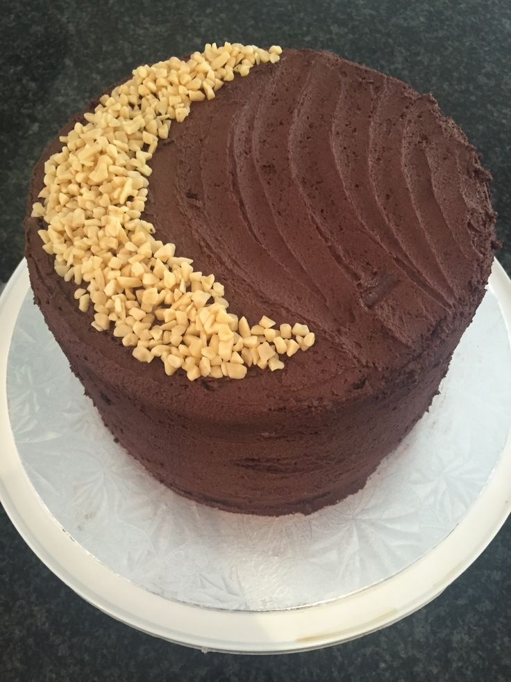 chocolate cake with crunchy caramel accent