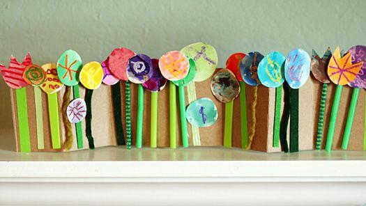 Accordion Folded Spring Flower CollageSpring Flowers, Accordion Folding, Make Flower Cards Crafts, Folding Spring, Flower Crafts, Flower Collage, Flower Gardens, Kids, Flowers Garden