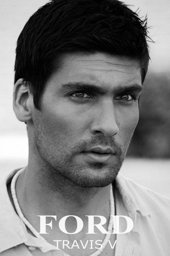 Travis Vulich by Robert Beczarski (2011) #TravisVulich #RobertBeczarski #malemodel #model #FordModels #FordModels_Chi #bw