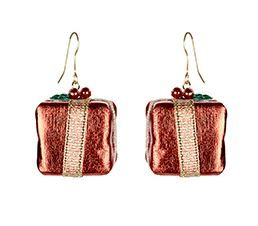 Show off your lobes with these 3D Present Earrings for £2.00 at Accessorize  @swagbucks  #CandyCaneGang #UglySweater(enya1201)