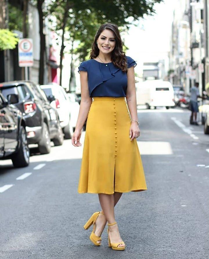 Qual você prefere? | Skirt outfits modest, Skirt fashion, Skirt outfits