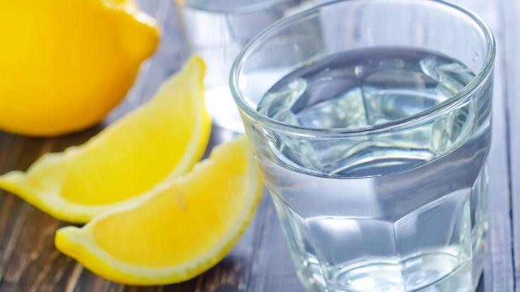 Zdrowo i sportowo : Mój poranek - woda z cytryną :)