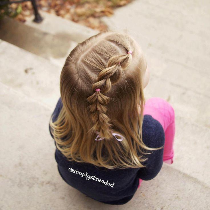 647 vind-ik-leuks, 27 reacties - Alicia (@simplystranded) op Instagram: 'Lace pull through braid on the lil' one. 💞💞 her hair is at that awkward shoulder length. 😐 But,…'