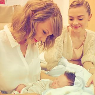 So Taylor, of course, jumped on a flight to Los Angeles as soon as she could to meet her new godson. | These Photos Of Taylor Swift Meeting Her Godson Are The Cutest