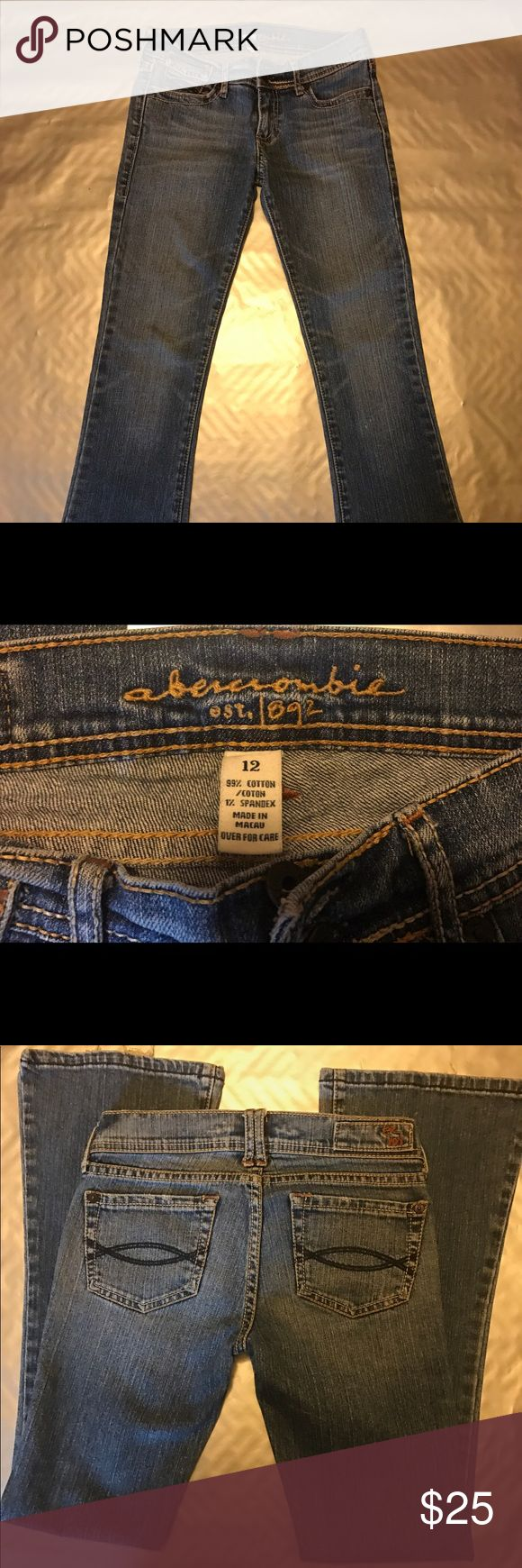 Abercrombie Jeans Abercrombie jeans , great condition with a little wear , check pics out ! Lots of love left in them ! Great school jeans ! abercrombie kids Jeans Flare & Wide Leg