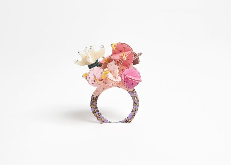 Mari Iwamoto -  Litte monster Ring. Plastik,color: