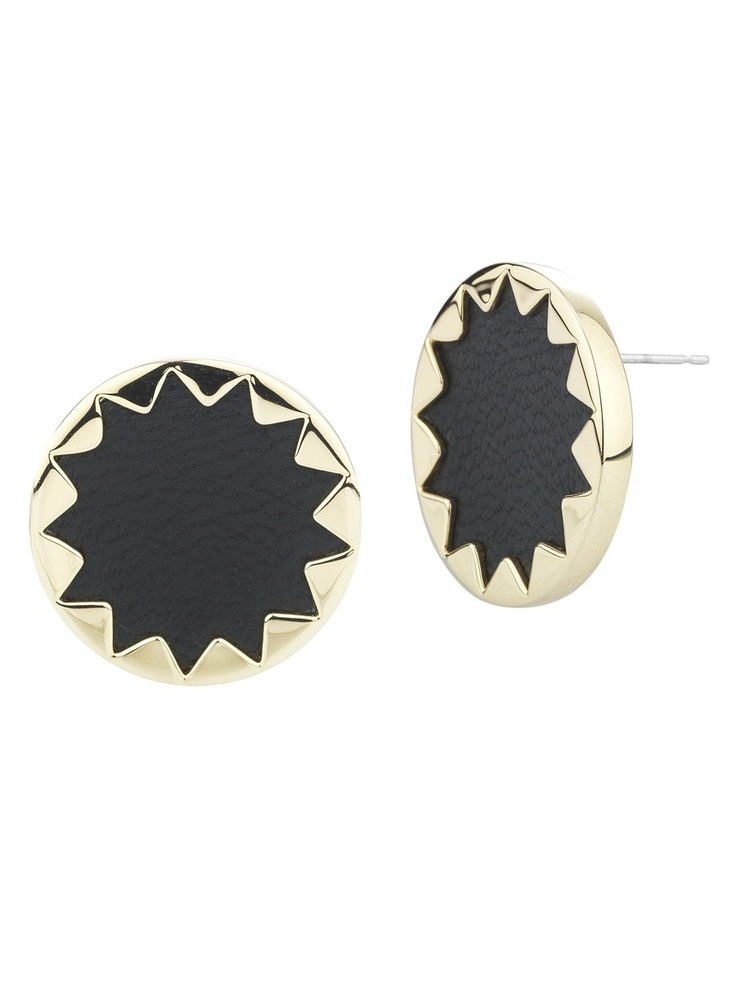 Last but not least the sun burst leather earrings. Small but cute! Perfect for summer and every other season for that matter! In love.