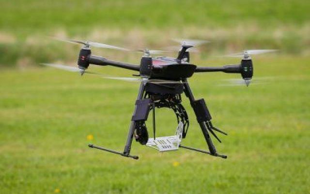 """Con i droni l'agricoltura diventa """"chirurgica"""" Grazie ai droni anche l'agricoltura si sta trasformando. Nasce così l'agricoltura di precisione. Il Mit di Boston nel 2014 ha inserito i droni agricoli al primo posto tra le novità tecnologiche più r #utilizzodroniinagricoltura"""