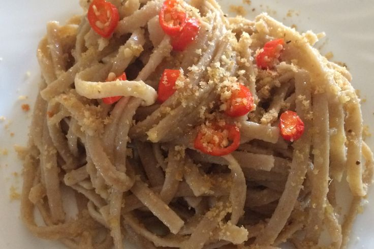 Rare typical Italian pasta recipe (made with mill flour refuses) garlic oil and chilli #peperoncino #hotpeppers #peppers #chilli #recipes #italian #calabria #pasta #hot #fiery #PeperonciniPiccanti
