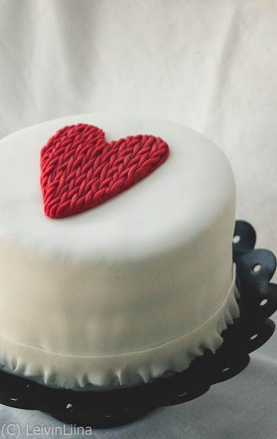 LeivinLiina: Kudottu sydän -kakku
