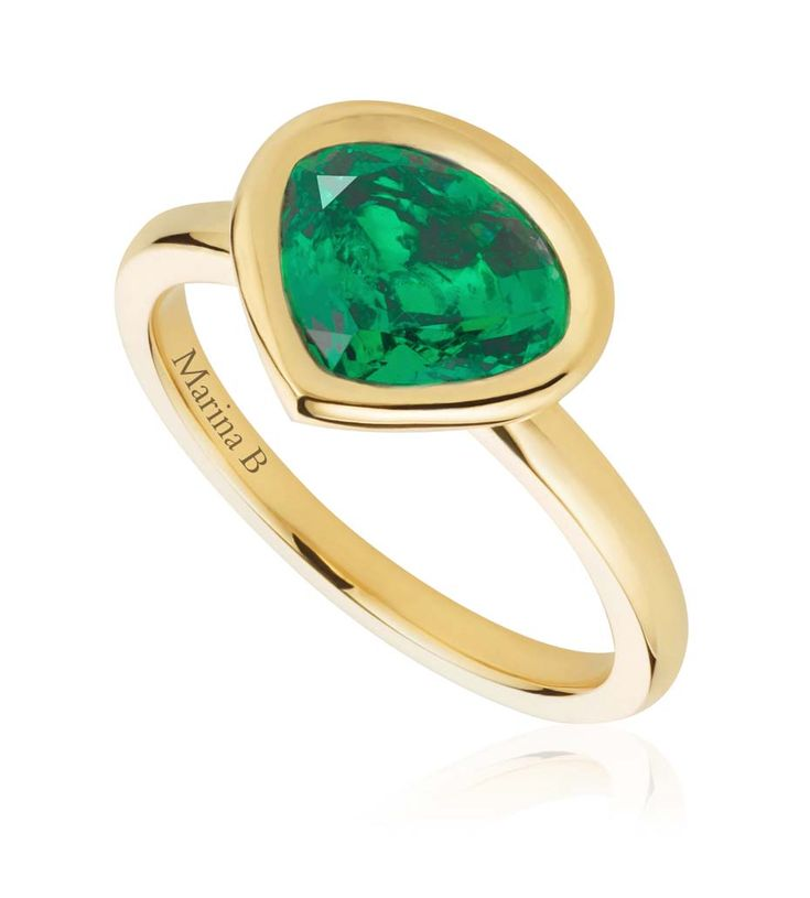 Working together with iconic Italian jeweller @marinabjewels, #MilaKunis helped to create this #emerald ring, set with a @gemfields Zambian emerald in the signature Marina B cut. #gemfields  See more at www.thejewelleryeditor.com