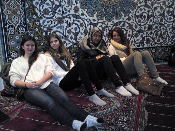 Besøk i moskeen i religionstimen: