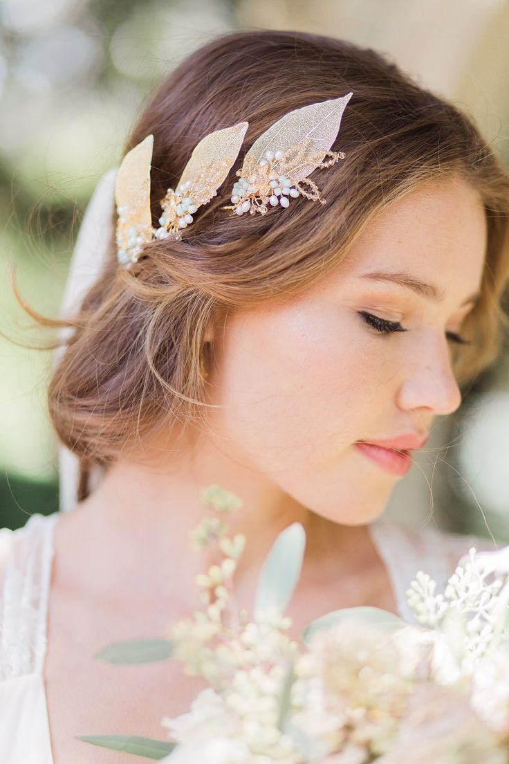 Feather coal hair accessories emily kent wedding hair bridal musings - Hermione Harbutt Myrtle Hairpins Amy Fanton Photography Bridal Hairpiece Hairpin