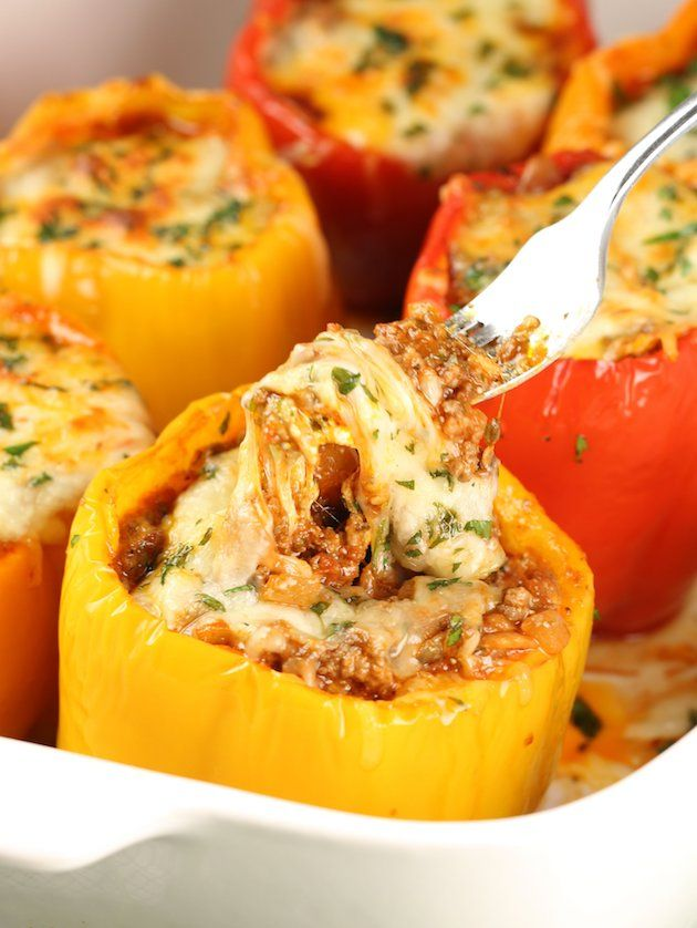 Baked #Lasagna Stuffed Peppers – full of traditional hearty #Italian flavors like ground beef sautéed with marinara, ricotta, parmesan and mozzarella cheese… all packed in sweet bell peppers.  A delicious and easy way to make low-carb, gluten-free lasagna the whole family will love!  https://tasteandsee.com via @h_tasteandsee