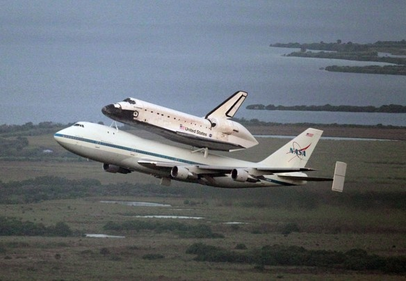Space shuttle Endeavour heads west on new mission as museum piece, leaves NASA home for goodFinal, Endeavour Head, Spaces Shuttle Endeavour, Houston, Science Center, California Science, Space Shuttle, Head West, Leaves Nasa