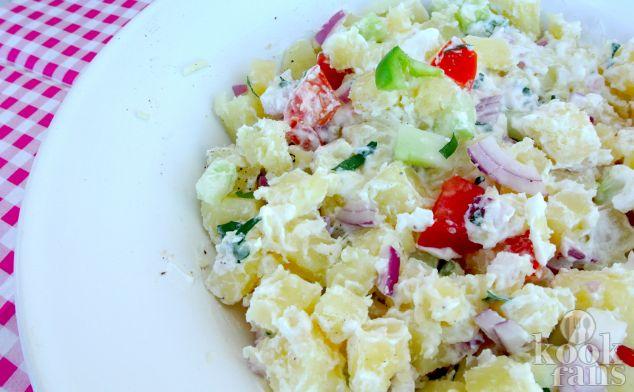 Deze Mediterraanse aardappelsalade is nét even wat anders, eet jij 'm vanavond?