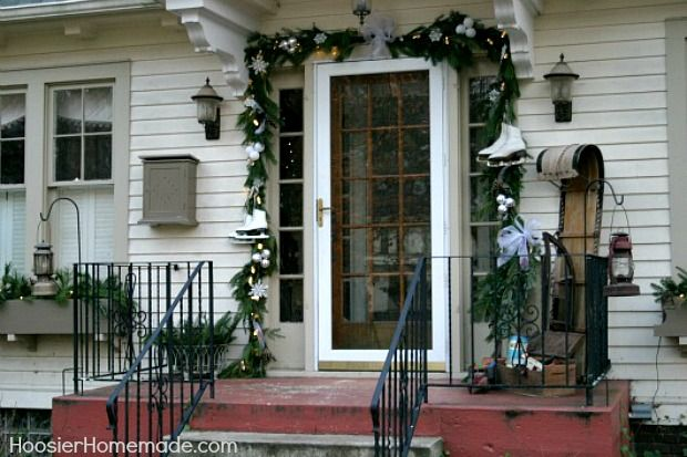 Holiday Home Tour with vintage and rustic Christmas decorations at HoosierHomemade.com