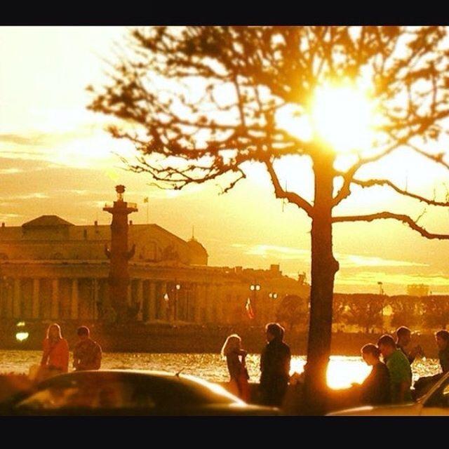 Все больше и больше солнечных дней☀️ выходные обещают тёплые!!! Питер радует чистым небом Желаем каждому отличных выходных и кусочек солнышка☺️ #выходные #досуг #хостел #хостелспбцентр #царскаястолица #питер #питервесна #твинситис #твинситисмельбурн #hostel #hostelspb #holidayseason #holidaysinsaintpetersburg #trip #travel #triprussia #twincities #twincitieshostels #twincitiesmelbourne #melbourne #morning #anticafe #cowork #coworking